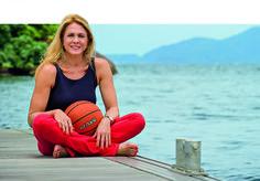 As dicas de Hortência, do basquete, para manter o corpo em forma aos 57