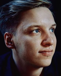 Check out George Ezra @ Iomoio George Ezra, Music Do, Berlin, Music People, To My Future Husband, In This World, Beautiful Pictures, Singer, Portrait