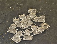 10 Cute CAT & HEART Charms Kitty Feline Pendant by ChezChaniSupply