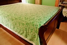 Michael Green Floral by RiversideMills on Etsy Floral Bedspread, St Michael, Bed Spreads, 1970s, Colours, Retro, Green, Vintage, Home Decor