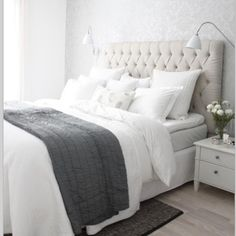 White And Grey Master Bedroom Interior Design Ideas Bedroom Inspo, Bedroom Decor, Bedroom Ideas, Bedroom Bed, Bedroom Inspiration, Warm Bedroom, Design Bedroom, Modern Bedroom, Bedroom Furniture