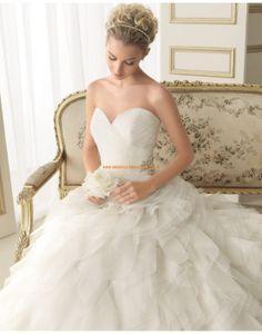 Klassische Herz-Ausschnitt Brautkleider aus Organza und Tüll 132 EMILE | luna novias 2014