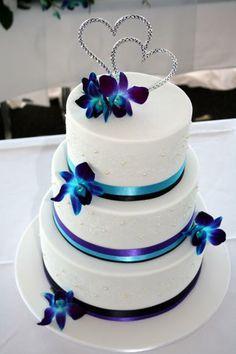 Wedding Cakes – How to Choose The Best Cake Square Wedding Cakes, Wedding Cakes With Flowers, Wedding Cake Designs, Wedding Cake Toppers, Flower Cakes, Wedding Ideas, Blue Orchid Wedding, Dark Purple Wedding, Gold Wedding