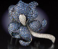 Beautiful Art Deco Art Nouveau jewelry - Beauty will save High Jewelry, Jewelry Art, Antique Jewelry, Jewelry Design, Vintage Jewellery, Jewelry Rings, Jewlery, Belle Epoque, Iris