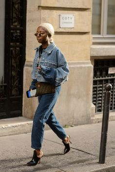 Trends You Need to Know for Mens Street Style Elegant Bg Street Style Paris Fashion Week Mens Day 3 – Pause Line Best Street Style, Street Style Outfits, Casual Street Style, Street Style Women, Denim Fashion, Fashion Outfits, Fashion Trends, Fashion Mode, Fashion Styles