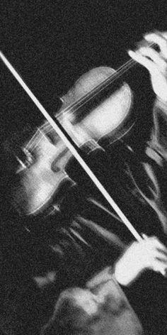 Gray Aesthetic, Black Aesthetic Wallpaper, Music Aesthetic, Black And White Aesthetic, Aesthetic Photo, Aesthetic Pictures, Aesthetic Vintage, Black And White Picture Wall, Black And White Pictures