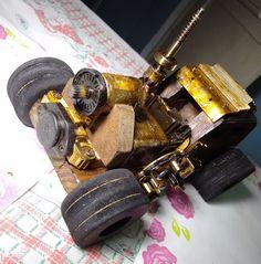 ...modelo madeira reciclada, peças de carros, de PC, 28cm , verniz esqueff