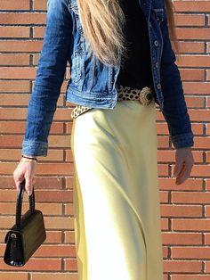 Discover the subtle way to incorporate leopard print to your outfits. #style #estilo #styleblog #styleinspiration #animalprint #animalprintbelt #cinturonanimalprint #leaopardprint #printleopardo #leopardprintbelt #cinturonprintleopardo Animal Print Belts, Style Inspiration, Skirts, Outfits, Beauty, Fashion, Leopard Prints, Trends, Moda
