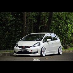 1ad388065ccd8488ed974fb7a2943e9d--modified-cars-honda-jazz-modified.jpg 640×640 pixeles