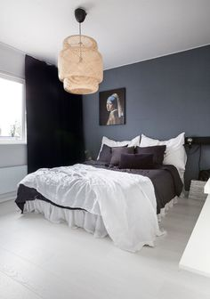 33 Epic Navy Blue Bedroom Design Ideas to Inspire You Blue Bedroom, Master Bedroom, Bedroom Decor, Sofa Design, Interior Design, Minimalist Bedroom, Modern Bedroom, Teenage Room, Interiors Online