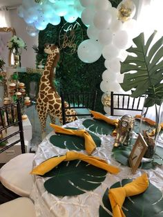 Glam Safari Baby Shower - Baby Shower Ideas - Themes - Games The Effective Pictures We Offer You Abo Safari Baby Shower Cake, Baby Shower Giraffe, Boy Baby Shower Themes, Baby Shower Parties, Jungle Theme Birthday, Safari Theme Party, Baby Shower Table Decorations, Safari Table Decorations, Mesas Para Baby Shower