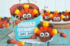 Reeses Turkeys - two different Reeses peanut butter cups and candy corn make these cute turkeys #reeses #candycorn http://www.insidebrucrewlife.com