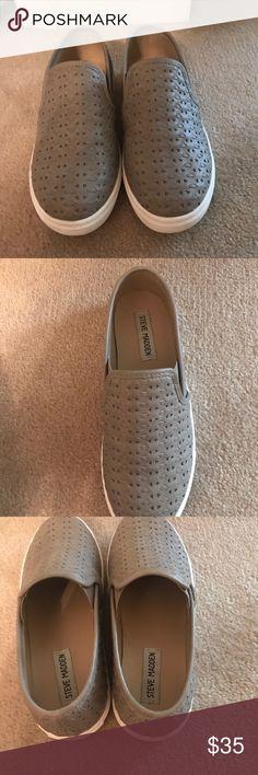85809611c21 Steve Madden Slip-on sneakers size 7.5 Great condition! Steve Madden Shoes  Sneakers