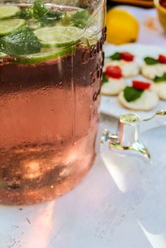 Como fazer Pink Lemonade: Receita simples e fácil no Blog Das Coisinhas