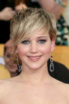Awesome Jennifer Lawrence short pixie is also a goodie for me,New Short Messy Hairstyles 2014 Cabelo Jennifer Lawrence, Jennifer Lawrence Short Hair, Short Hairstyles For Women, Celebrity Hairstyles, Messy Hairstyles, Hair Styles 2014, Medium Hair Styles, Short Hair Styles, Wispy Hair