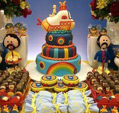 The Beatles Birthday Party Ideas (Festa dos Beatles) Beatles Birthday Party, 70th Birthday Parties, 5th Birthday, Birthday Cake, 60s Party, Festa Party, Beatles Cake, The Beatles, Festa Yellow Submarine