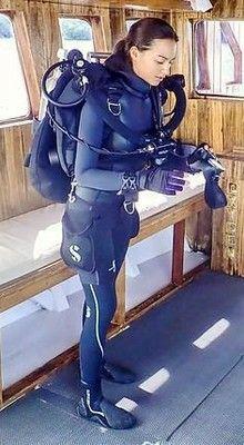 Scuba Wetsuit, Diving Wetsuits, Scuba Gear, Scuba Diving Suit, Women's Diving, Cave Diving, David Beckham Suit, Scuba Diving Certification, Diving