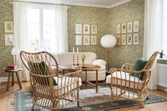 William Morris Wallpaper, Morris Wallpapers, William Morris Tapet, Country House Interior, Home Interior, Interior Ideas, Oh My Home, Living Roon, Tiny Studio Apartments