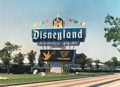 Disneyland sign 1970's, as I remember it, off of Harbor Blvd.