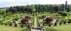 14 Fairy Tale Castles You Must Visit In Scotland - Drummond Castle and Gardens Topiary Garden, Terrace Garden, Garden Bridge, Topiary Trees, Garden Art, Garden Ideas, Garden Landscape Design, Green Landscape, Garden Landscaping