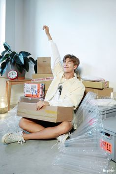 Kim Namjoon ☆ Photoshoot ☆ BTS 2019 Season's Greeting ☆ Picture: Big Hit Entertainment ☆ Credits by Starcast ☆ Edit by cglassend Seokjin, Kim Namjoon, Hoseok, Jimin, Bts Bangtan Boy, Bts Taehyung, Mixtape, Bts Season Greeting, Rapper