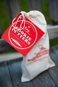 Wedding favors guests can easily take home...and will want to use again!