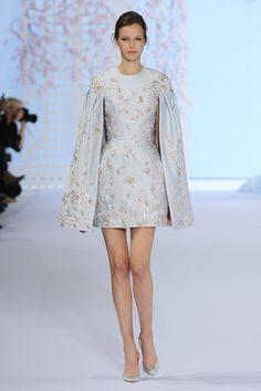 Pin for Later: Diese Couture-Hochzeitskleider lassen Herzen höher schlagen Ralph & Russo Haute Couture Frühjahr/Sommer 2016