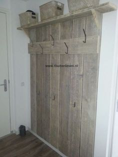 House Ideas Rustic Entryway Ideas For 2019 Scaffolding Wood, Rustic Entryway, Pallet Furniture, Country Decor, Interior Design Living Room, Home Projects, Pallet Projects, Home And Living, Home Improvement