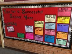 Back To School Bulletin Boards: Choosing a year long bulletin board saves valuable time during the school year. - My Women Style Pins Counselor Bulletin Boards, Hallway Bulletin Boards, Back To School Bulletin Boards, August Bulletin Boards, Beginning Of The School Year, New School Year, School Hallways, School Entrance, School Murals