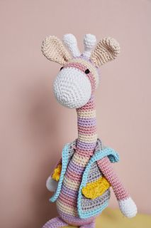 Ella is a happy, friendly giraffe who always has her head in the clouds – and dreams of becoming a famous singer one day! Singer One, Giraffe Pattern, Famous Singers, Softies, Twinkle Twinkle, Crochet Pattern, How To Become, Clouds, Dreams