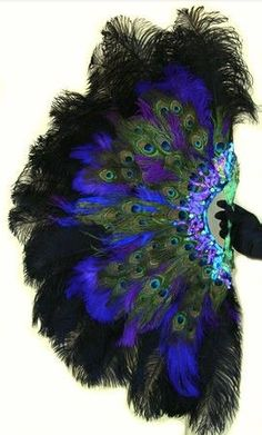 Burlesque Showgirl Jeweled PEACOCK & Ostrich by sajeeladesign Antique Fans, Vintage Fans, Ostrich Feathers, Peacock Feathers, Hand Held Fan, Hand Fans, Peacock Decor, Peacock Colors, Fan Decoration