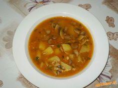 Šampiňónová polievka s mrveničkou