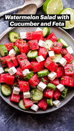 Grilled Watermelon, Watermelon Recipes, Watermelon Popsicles, Cucumber Watermelon Salad, Summer Salad Recipes, Summer Salads, Salade Healthy, Spicy Grilled Chicken, Clean Eating