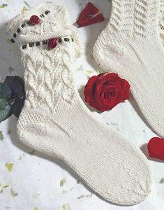 Knitting Stitches, Knitting Socks, Hand Knitting, Knitting Patterns, Crochet Socks, Knit Crochet, Mitten Gloves, Mittens, Summer Slippers