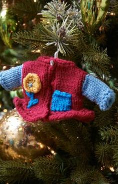 Girlie Fashion Sweater Ornament Free Knitting Pattern from Red Heart Yarns