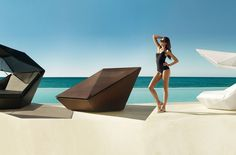 FAZ is one piece that is part of a larger collection of 82 items designed by Ramón Esteve. Made of polyethylene resin by rotational molding, and covered with nautical canvas or polyester fabric, th…