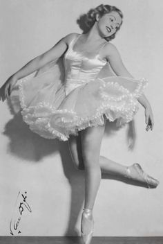 Arriving at Auschwitz in 1943, Polish-Jewish ballet dancer Franceska Mann was ordered to disrobe for the crematorium.   She took off her clothes provocatively to distract the Nazi guard, then snatched the roll-call officer's pistol & shot him dead.  She fired a second shot that wounded an SS sergeant. Other prisoners began a riot that was broken up when the guards opened fire with machine guns. Mann died on the spot.   But she stood up to evil.