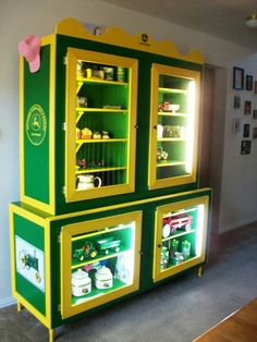 John deere display hutch..... ahhhh!! I would love to own this!!