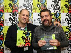 Photocall del libro THE ART SHOW BOOK con el artista @Donibane Creative Studio y la editoria @Makusikusi