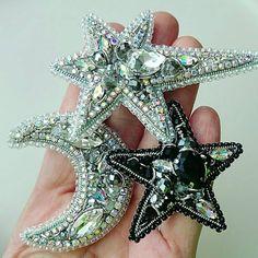@Regranned from @biserka_olga - Сэт из брошей, сделан на заказ. Звездочки и Луна. Яркие, модные, сверкающие! Всегда актуальны! Повтор возможен и в другой расцветке - #regrann