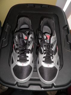 9181787a763 Nike Shox Heritage Mens Size 12 Running Shoes Black Red Silver MINT!  Nike