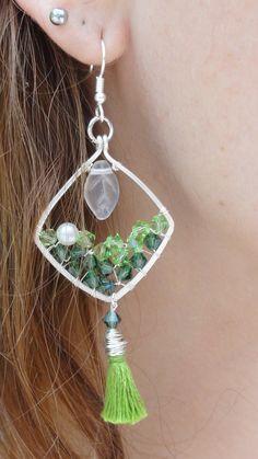 Cristal - cristaux swarovski verts et argent : Boucles d'oreille par bombay-cotons