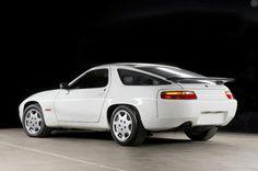 Derek Bell's former company car, a 1987 Porsche 928 Club Sport. Porsche 928 Gts, Porsche Carrera, Le Mans, Derek Bell, Porsche Replica, Porsche Models, Vintage Porsche, Bob, Cool Designs