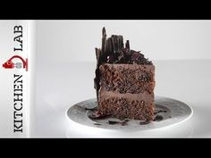 Vegan black forest cake by the Greek chef Akis Petretzikis. Make easily and quickly this flavorful recipe for a vegan black forest dessert with sour cherries! Party Desserts, Vegan Desserts, Vegan Recipes, Black Forest Cake, Sour Cherry, Vegan Cake, Good Food, Fun Food, Latte