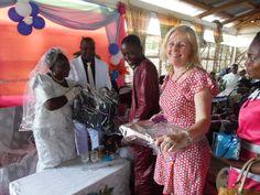 Er werd ook gefeest: Antoinette, één van onze lokale coördinatoren, trouwt - april 2015
