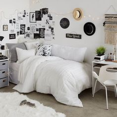 Black and White Dorm Room Ideas - White Bedroom - Dorm Room Wall Decor Dorm Room Ideas - Dorm Room Decor - Dorm Inspiration - College Dorm - Dorm Room Organization - College Hacks Dorm Inspiration