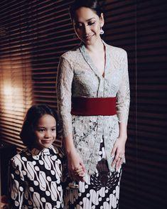 best Ideas for style 2019 classic Kebaya Bali, Indonesian Kebaya, Kebaya Hijab, Kebaya Brokat, Indonesian Wedding, Batik Kebaya, Kebaya Dress, Batik Dress, Batik Fashion