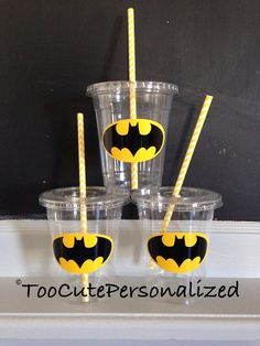 25 Plastic Batman Party Cups-12 oz por TooCutePersonalized en Etsy