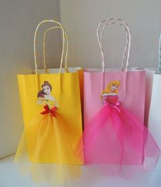 10 Pieces Disney Princess Birthday Goody Favor Glitter Tutu Bags Cinderella Belle Rapunzel Ariel Lit Elevate your Disney Princess party with these very cute and artsy birthday favor bags! Bag is made of paper, decorated with princess images and Birthday Favors, 4th Birthday Parties, 3rd Birthday, Birthday Ideas, Birthday Pictures, Birthday Month, Birthday Decorations, Princesse Party, Disney Princess Birthday Party