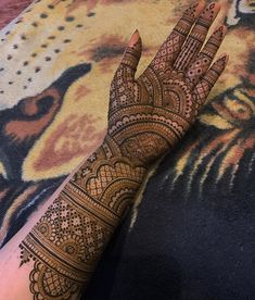 Top Latest Simple and Easy Mehndi Designs 2020 - mehendi designs - Henna Italia Latest Bridal Mehndi Designs, Indian Henna Designs, Full Hand Mehndi Designs, Mehndi Designs For Girls, Mehndi Designs For Beginners, Stylish Mehndi Designs, Dulhan Mehndi Designs, Mehndi Design Photos, Wedding Mehndi Designs